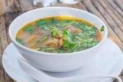 Potenciômetro quente quente e picante do reforço de carne de porco com tamarindo Imagens de Stock