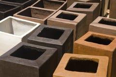 Potenciômetros da planta da argila do jardim Imagem de Stock Royalty Free