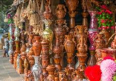 Potenciômetros de argila bonitos Fotos de Stock Royalty Free