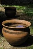 Potenciômetros de argila velhos do produto de cerâmica Fotografia de Stock Royalty Free