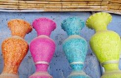 Potenciômetros de flor coloridos Imagem de Stock