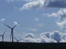 Potere dei generatori eolici Immagini Stock Libere da Diritti