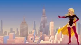 Potere del Superheroine in città Fotografie Stock Libere da Diritti