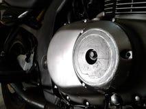 Potere in un piccolo motore d'argento immagine stock libera da diritti