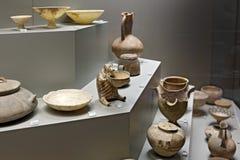 Poterie de Cycladic dans le musée de l'archéologie, Athènes, Grèce Images libres de droits