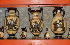 Poterie en tirant des copies des vases au grec ancien Images stock