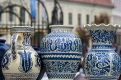 Poterie rustique traditionnelle de Roumanie Photographie stock