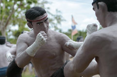 Poterie thaïlandaise d'homme de boxe Images libres de droits