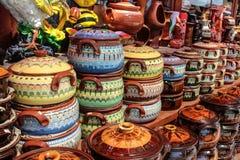 Potes de cerámica en Horezu, Rumania Fotografía de archivo libre de regalías
