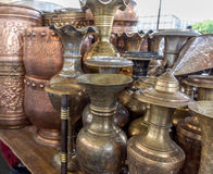Potes de cobre brillantes del café Imágenes de archivo libres de regalías