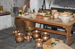 Potes de la cerámica y del cobre Fotos de archivo