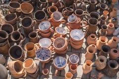Potes y tarros de tierra tradicionales Fotografía de archivo libre de regalías