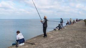 Poti, Georgia - 29 04 2018: Рыболовы на озере Paliastomi Стоковая Фотография