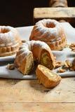 Potica, крен с грецкими орехами стоковое фото