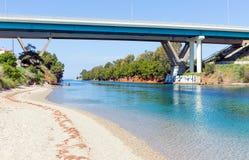 Potidea运河, Halkidiki,希腊 免版税图库摄影