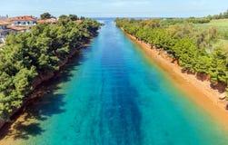 Potidea kanal, Halkidiki, Grekland Royaltyfri Bild