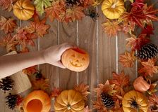 Potiron dans Hand Halloween de Madame photo stock
