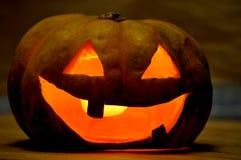 Potiron de découpage fait maison pour Halloween Photographie stock libre de droits