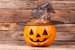 Potiron de Halloween avec le chapeau de magicien photo libre de droits