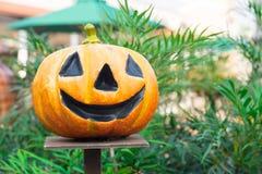Potiron effrayant de Halloween avec le sourire Photographie stock libre de droits