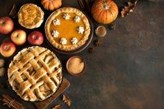 Potiron et tartes aux pommes de thanksgiving image stock