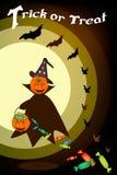 Potiron heureux de Halloween avec le panier de sucrerie la nuit Image stock