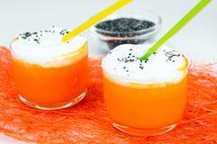 Potiron Juice Latte avec de la crème et Chia Seeds fouettés photographie stock