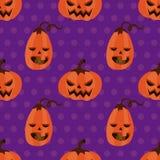 Potiron sans couture de Halloween de modèle avec des points de polka Image libre de droits