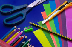 Potloden en kleurenkarton Royalty-vrije Stock Fotografie