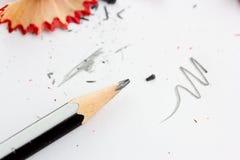 Potloden en spaanders stock afbeeldingen