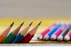 Potloden op een houten lijst Terug naar School Stock Afbeelding
