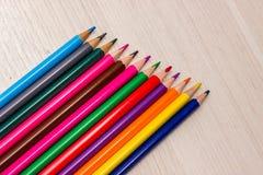 Potloden van verschillende kleuren Stock Foto's
