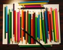Potloden voor het trekken op een wit stock fotografie