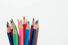Potlodenkleur op witte achtergrond, de groep van de potlodenkleur Stock Foto's