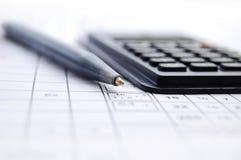 Potlood en de calculator Royalty-vrije Stock Foto