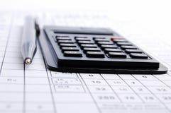 Potlood en de calculator Royalty-vrije Stock Fotografie