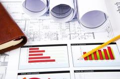 Potlood, grafieken, dagelijks logboek, blauwdruk op Desktop Stock Afbeeldingen