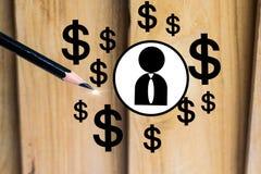 Potlood met dollar en mens op houten raadsachtergrond het gebruiken van behang of achtergrond voor onderwijs, bedrijfsfoto Neem n Stock Afbeeldingen
