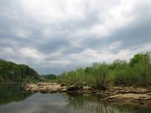 Potomac River i Maj royaltyfria bilder