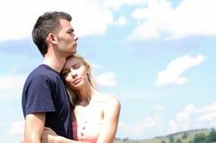 Potomstw pary przytulenie Obrazy Stock