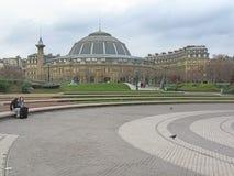 Potomstwa dobierają się blisko Agro Paryskiej giełdy Zdjęcie Royalty Free