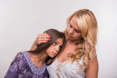 Potomstwa matki i nastolatek córka Fotografia Stock