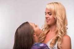 Potomstwa matki i nastolatek córka Zdjęcie Stock