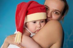 Potomstwa matkują z jej słodkim dzieckiem Obrazy Royalty Free