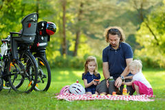 Potomstwa ojcują i jego córki ma pinkin Zdjęcia Royalty Free