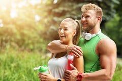 Potomstwo para jogging w parku Obrazy Stock