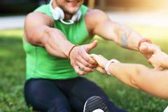 Potomstwo para jogging w parku Fotografia Stock