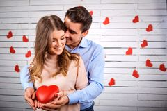 Potomstwo para na valentine ` s dniu Obrazy Royalty Free