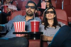 Potomstwo para ogląda 3d film Fotografia Stock