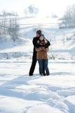Potomstwo para w zimie Zdjęcia Royalty Free
